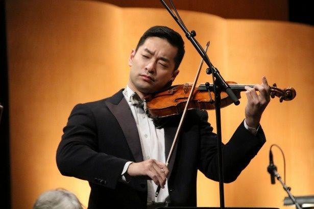 【写真を見る】映画音楽に初挑戦した世界的ヴァイオリン奏者の五嶋龍の美しい調べが響き渡る…!