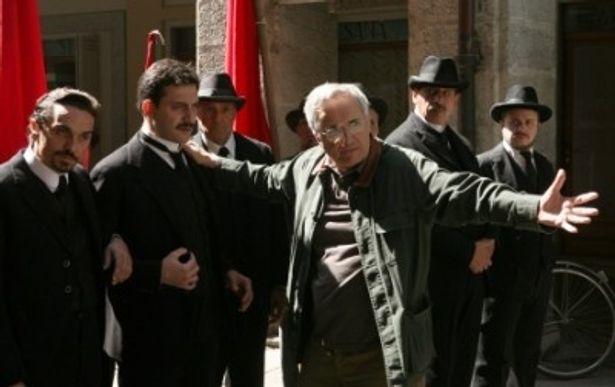 【写真】ムッソリーニを演じたのはフィリッポ・ティーミ。7月2日(土)公開の『ラスト・ターゲット』にも出演している
