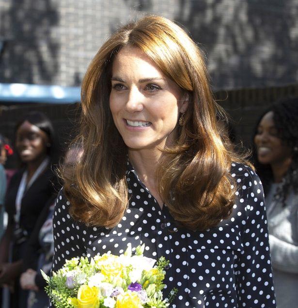 保育施設を訪れたキャサリン妃のファッションが話題に