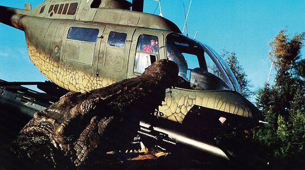 湖に紛れ込んだクロコダイルが、おばあさんの寵愛を受けて10mオーバーまで大きくなる『U.M.A レイク・プラシッド』