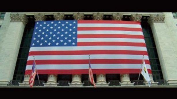 公開中の『インサイド・ジョブ』では世界金融危機の戦犯を追い詰める