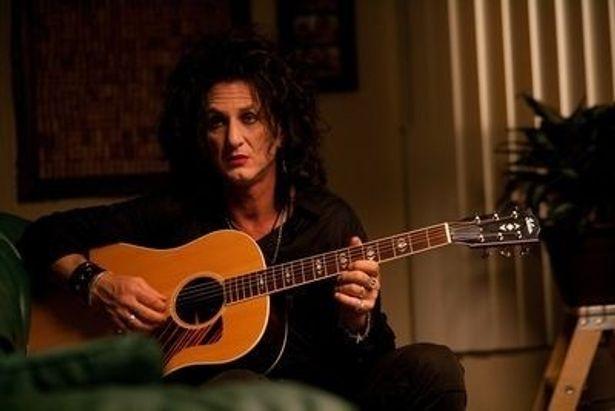 ショーン・ペン主演『This Must Be The Place』で、ショーンの娘をロックバンドU2のボーカル、ボノの娘が演じるなど、2世の活躍が目立った