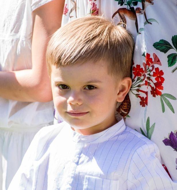 スウェーデン王室のオスカル王子が4歳に