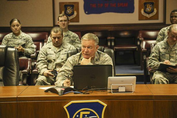 日本映画初となる米軍の協力により、在日アメリカ軍横田基地でも撮影を敢行