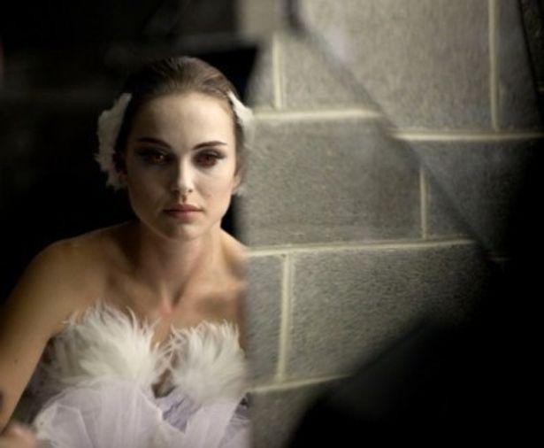 『ブラック・スワン』ではプリマの座を争うバレリーナ役を演じ、見事にアカデミー賞主演女優賞を獲得
