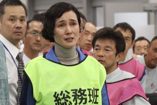 【写真を見る】安田成美演じる浅野真理は、作業員たちを精神的にもサポートしていく