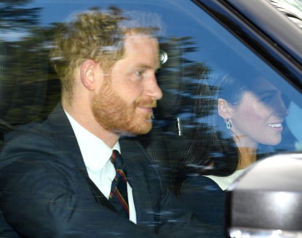 この日も新進女性ジュエラーのイヤリングを着用し、英王室の古いしきたりにはお構いなし?