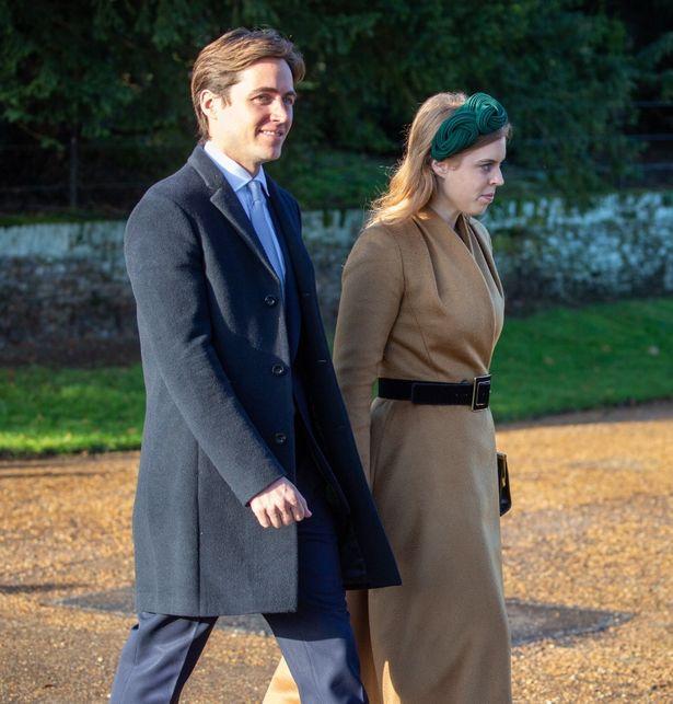 バッキンガム宮殿の庭園で行われる予定の披露宴はキャンセルされた