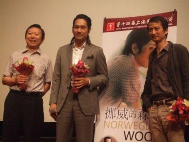 中国本土プレミア上映の舞台挨拶で、上海語で挨拶した松山ケンイチ
