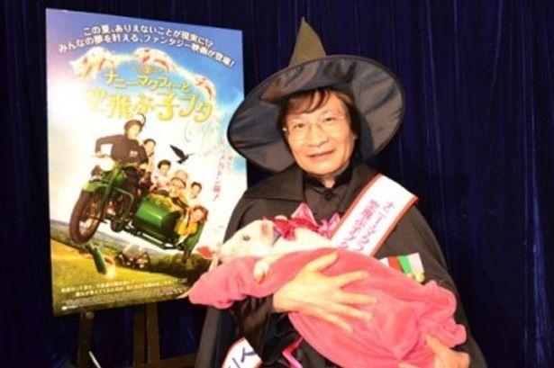 尾木ママクフィーに扮した尾木ママが、映画の見どころについてたっぷり語ってくれた