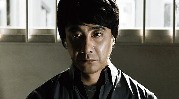 原作は特異な小説技法ゆえに長らく映像化不可能とされてきた横山秀夫のミステリー小説
