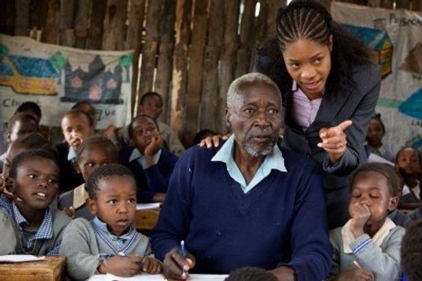 83歳の小学一年生が、孫のような同級生と机を並べて勉強する
