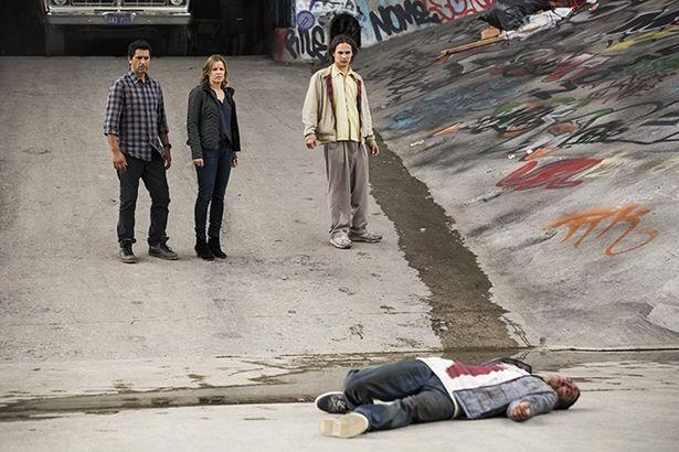 『FTWD』シーズン1では『TWD』では描かれなかったウォーカー発生の始まりが描かれる