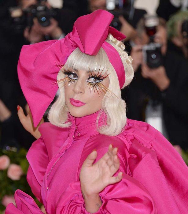 世界のファッションアイコン、レディー・ガガが悪女に挑戦!