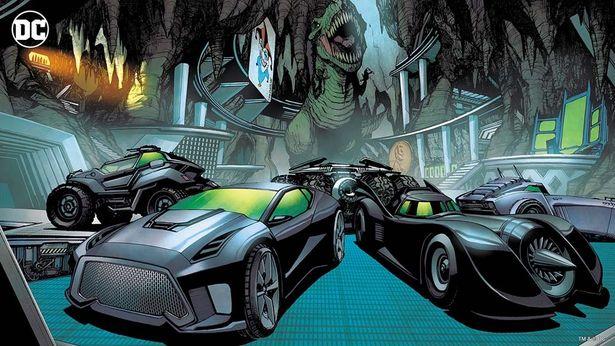 インテリアはバットマンの愛車バットモービル