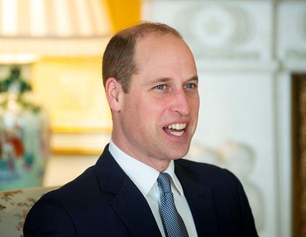 ウィリアム王子が募金活動でチャレンジを行う男性に寄付