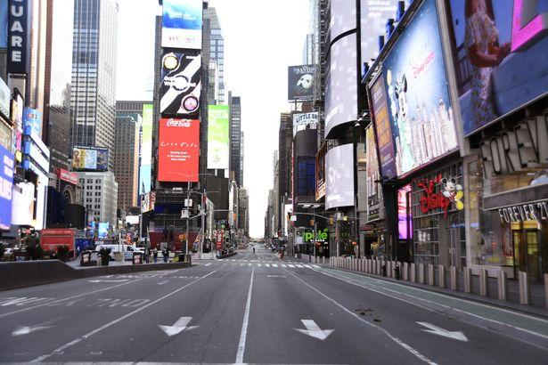映画興行の中心地のひとつニューヨークでは、映画館の再開が遅れる可能性も指摘されている