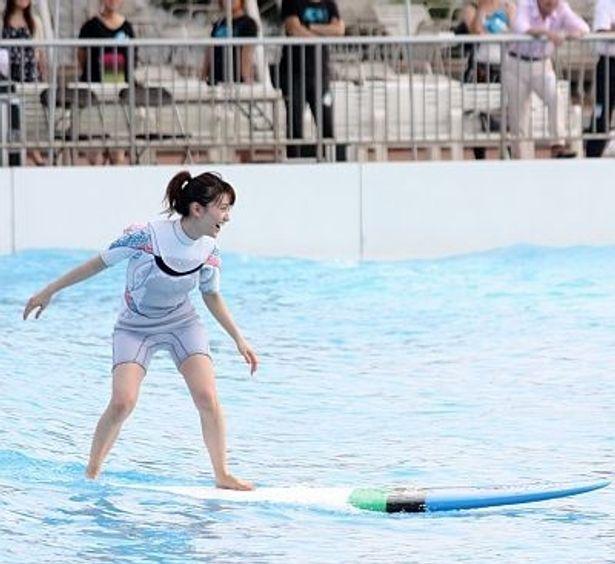 ファンにサーフィン姿を披露したNot yetの大島優子さん!
