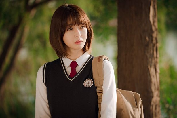 セロイの転校先の生徒にして、セロイの人生を導く存在にもなるオ・スア(クォン・ナラ)がかわいい!