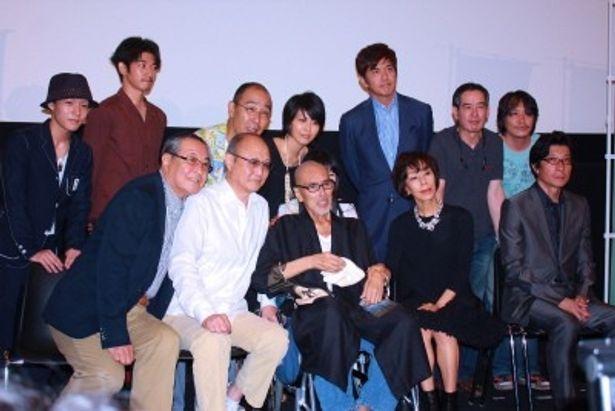 原田芳雄はキャストとスタッフと共にフォトセッション時のみ登場