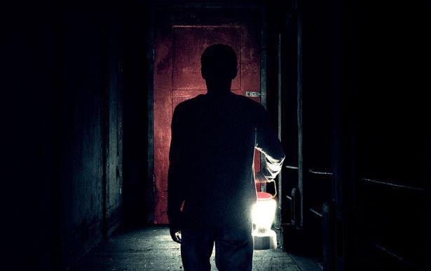 謎の感染症から逃れて来たある一家に起こる惨劇を描く『イット・カムズ・アット・ナイト』