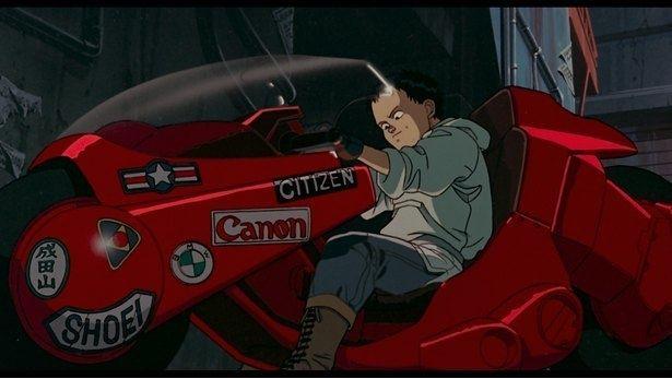 """【写真を見る】鉄雄と同じように、大勢のファンも憧れた""""金田のバイク"""""""