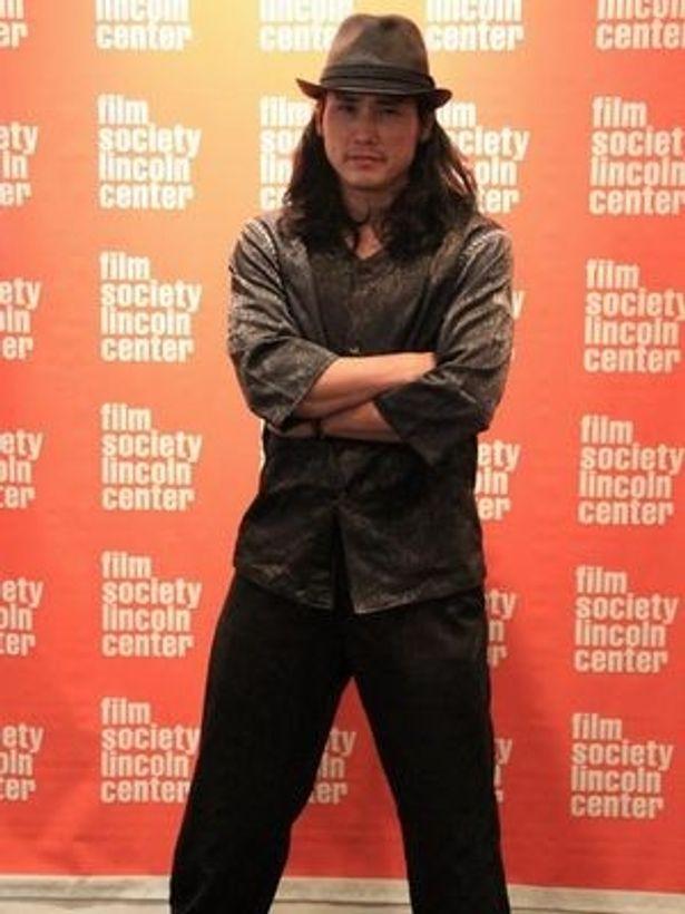 【写真】ニューヨーク・アジア映画祭で『極道兵器』の舞台挨拶に立った坂口拓。同作では監督と主演を務める