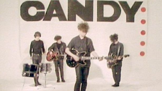 Primal Screamのボビー・ギレスピーもかつて在籍していたロックバンド、The Jesus and Mary Chainのデビュー秘話も