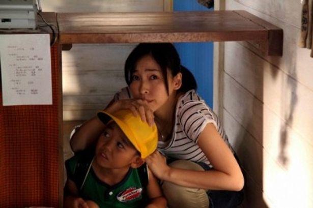 麻生久美子が小学生の母親役に初めてトライ