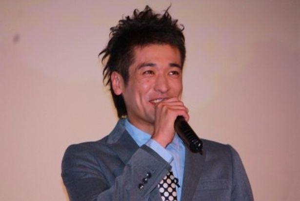 父親・松男を演じた佐藤隆太