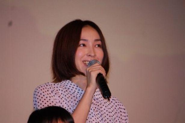 母親・貴子を演じた麻生久美子
