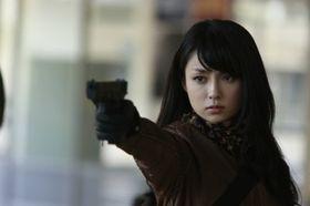 ほんわか女性からワイルドな女性へ。深田恭子『ワイルド7』で人生初ガンアクションに挑戦