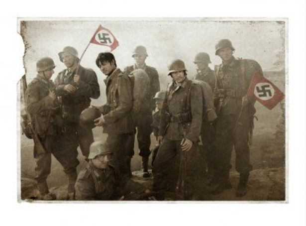 東洋人ふたりがなぜかドイツ軍の制服を着ている、謎めいたティザーフォト