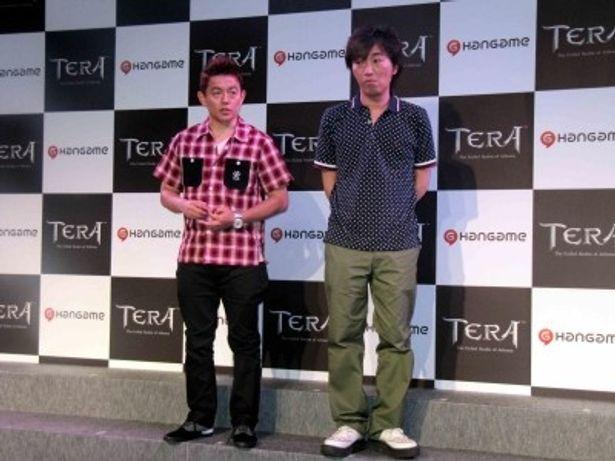 イベントに登場したスピードワゴンの井戸田潤、小沢一敬(写真左から)