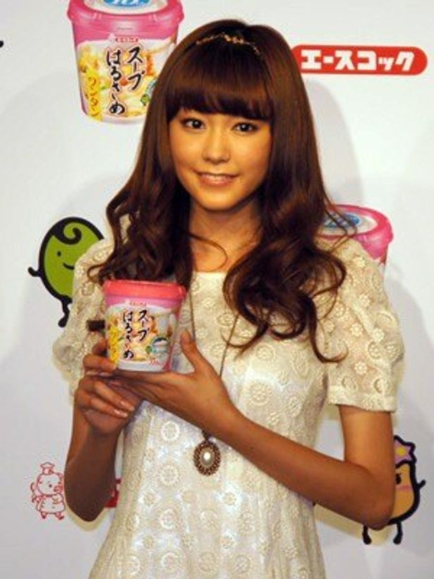新CMキャラクターに起用された桐谷美玲。今やモデルだけでなく女優としても活躍中