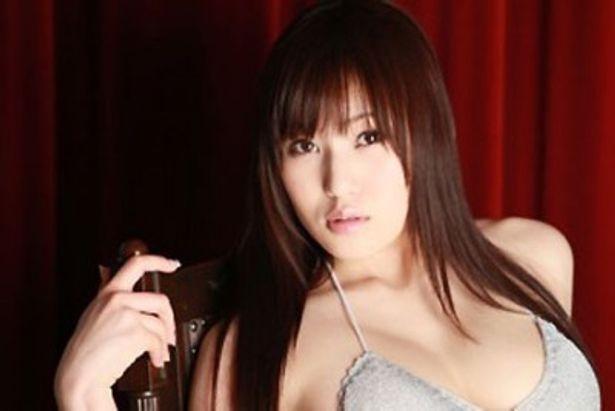 復活!ミニスカポリスのメンバー・滝ありさが活躍するショートムービーが特別上映!