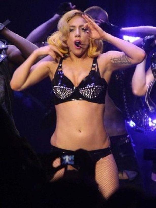 2000年代を飾るのはやはりレディー・ガガ。「Bad Romance」が1位に輝いた