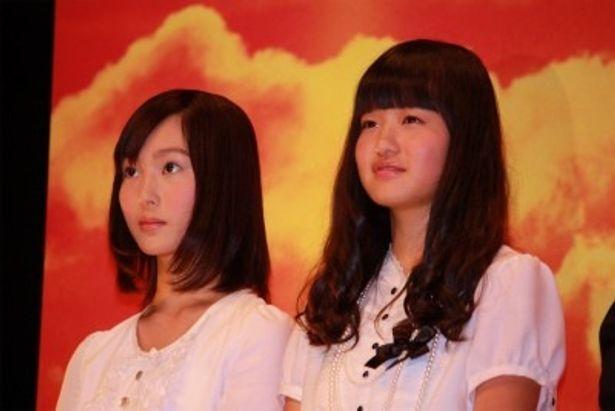 【写真をもっと見る】女学生を演じた森迫永依、松本花奈は清純なブラウスとスカートで登壇