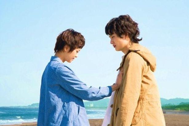【写真をもっと見る】岡田将生と榮倉奈々が見せる、劇中のシリアスな表情に注目
