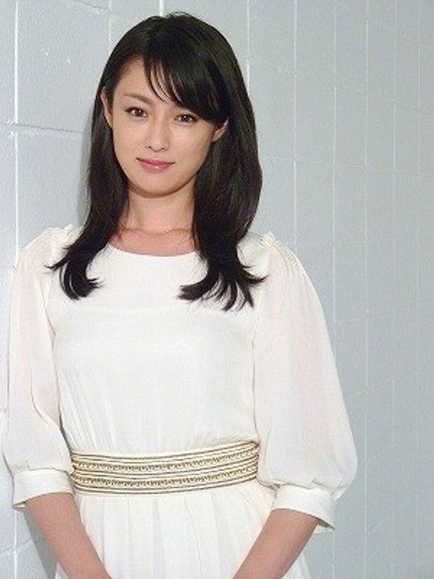 深田恭子が大人の恋愛を繰り広げる女性を熱演