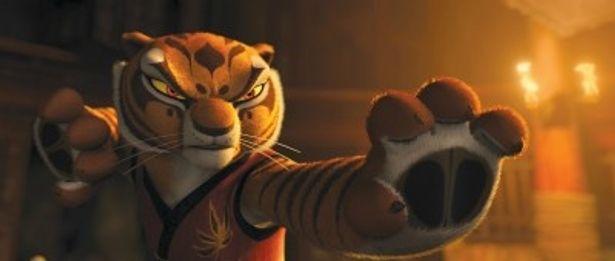 アンジェリーナ・ジョリーと木村佳乃が本国版と日本版で声を務めるマスター・タイガー