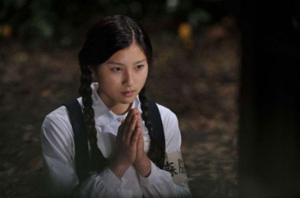 病弱で色白のスーちゃんを演じているのは注目の美少女・土屋太鳳