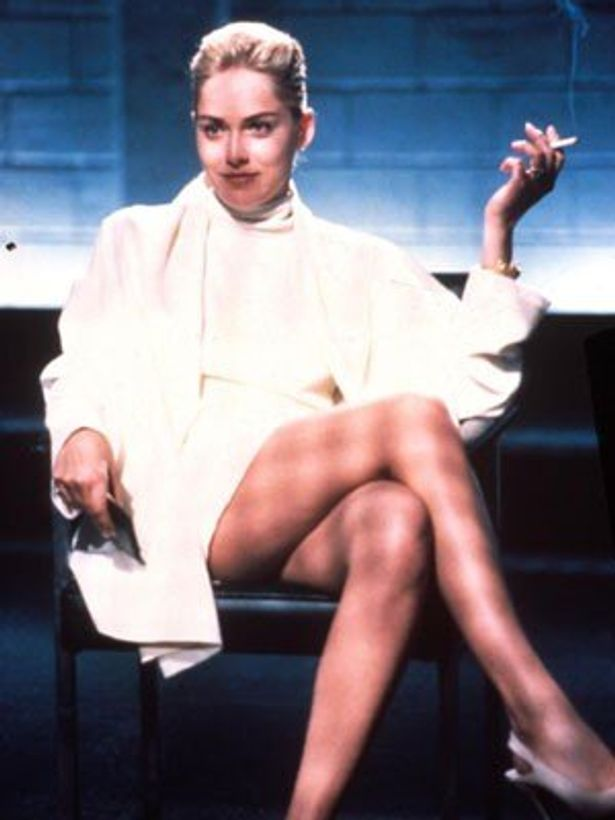 『氷の微笑』で、超ミニスカートのシャロンが足を組みかえるシーンは悩殺的
