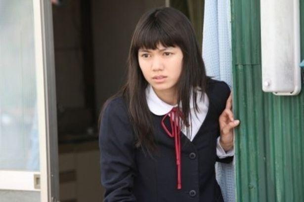 【写真】とても複雑な心情を持った女子中学生・茶沢景子を演じる二階堂ふみ