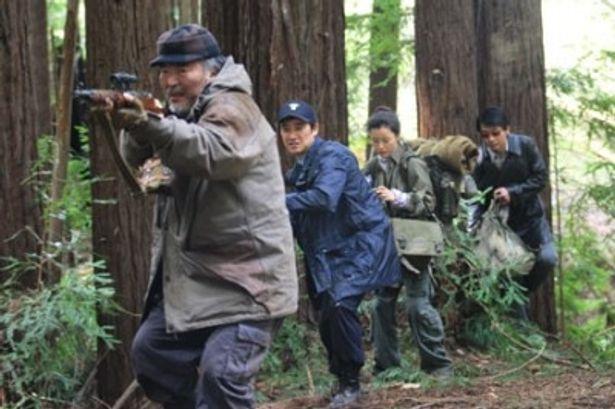 事態を収拾するために村人たちはイノシシ狩りを決行