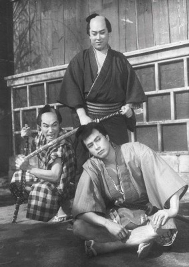 森の石松を演じた森繁久彌(左)ら名優たちも活躍。『次郎長三国志 第三部 次郎長と石松』より