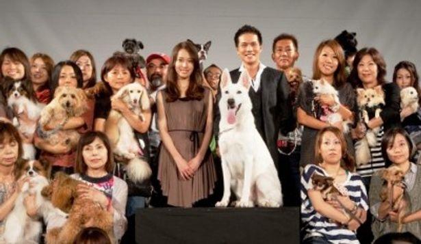クリエイティブセンター大阪でイベントを行った戸田恵梨香&市原隼人