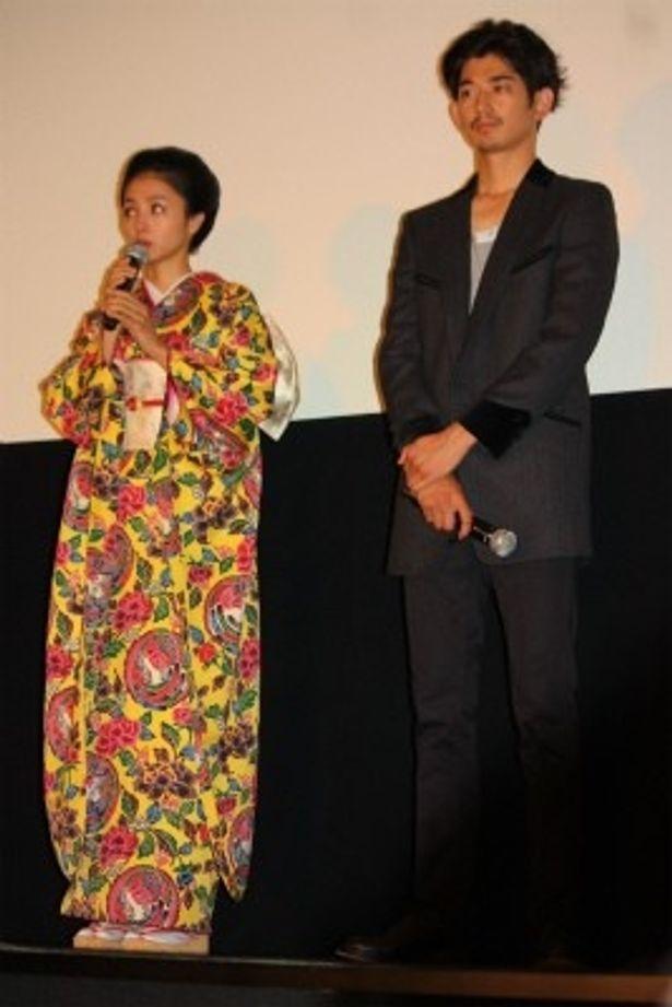 【写真をもっと見る】満島ひかりは艶やかな着物で登壇!