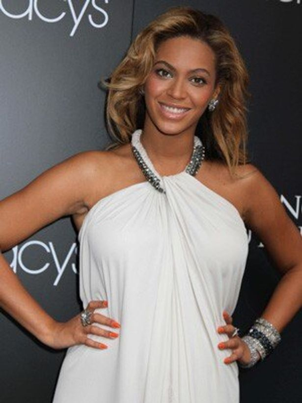 来年2月に出産予定のビヨンセがマタニティドレスの独自ブランドを立ち上げる