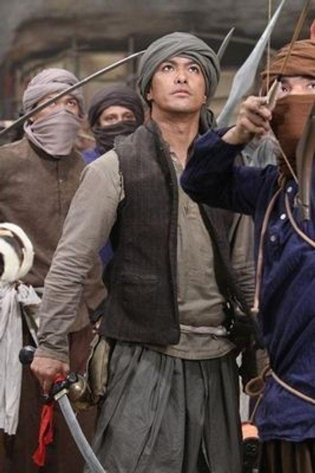 ヴィシャールに立ち向かう反乱軍のリーダー、サニルを演じる北村一輝